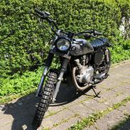Suzuki GS400L  ** Brat **