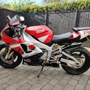 Yamaha R1 RN04 5jj