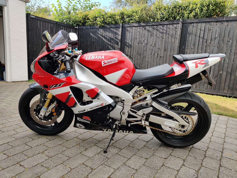Yamaha R1 RN04 5jj billede 1