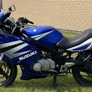 Suzuki GS 500 F K4
