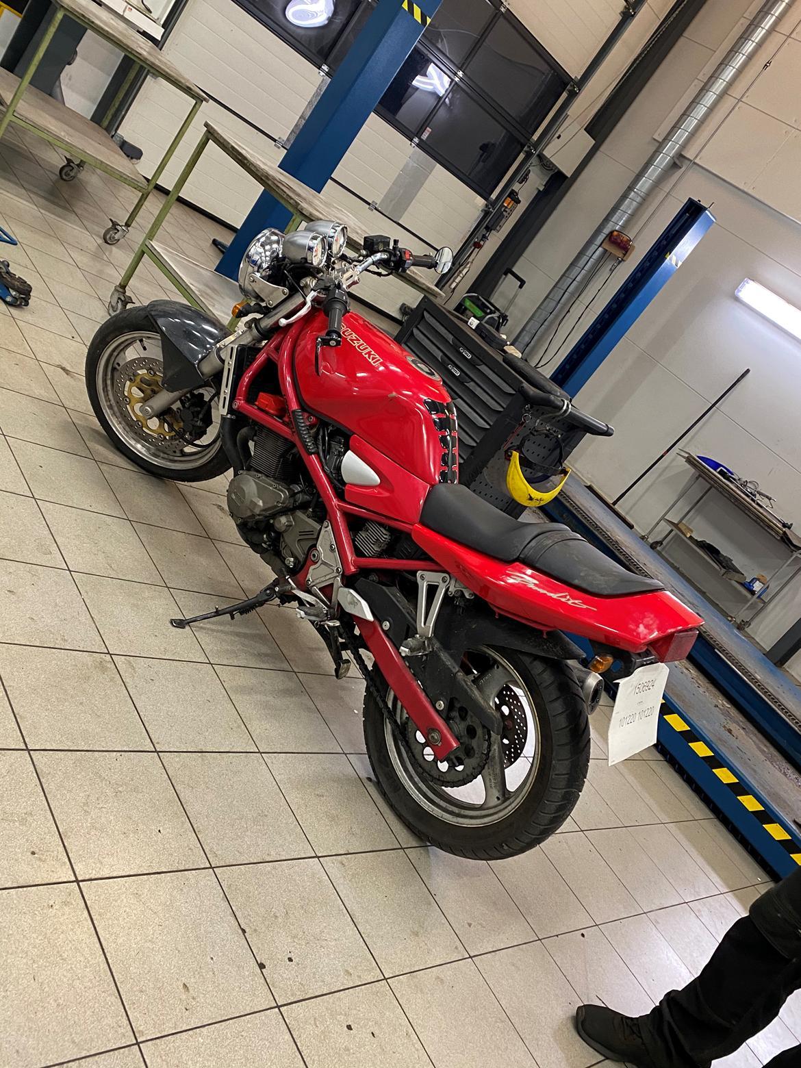 Suzuki Gsf 400 bandit billede 12