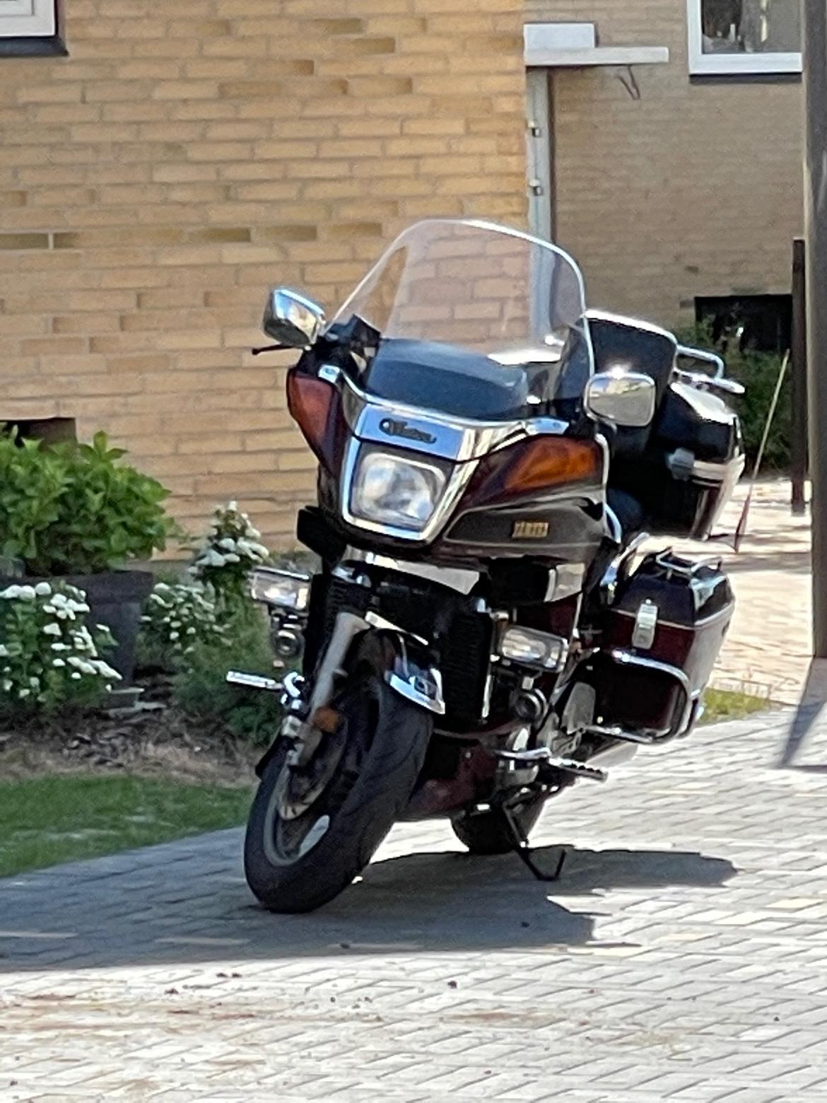 Yamaha xvz 1300 Venture Royale billede 4