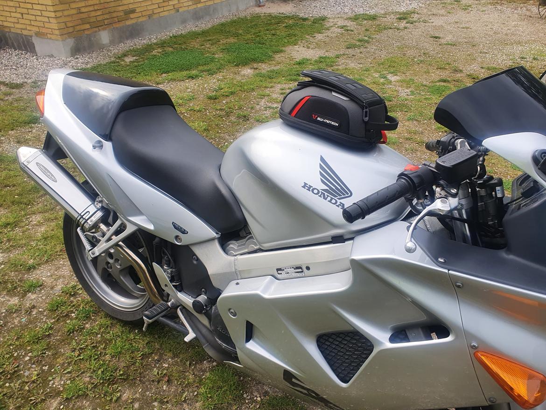 Honda VFR 800 billede 9