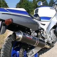Yamaha FZR 1000  **SOLGT**
