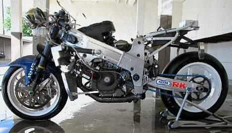 Suzuki TL1000R AMA #SOLGT# - Den rigtige AMA racer, med mange af de samme dele som min.. billede 2