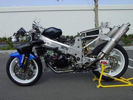 Suzuki TL1000R AMA #SOLGT# - tjek Yoshimura bagstellet,  kan ændres i vinkel og højde! billede 4