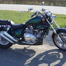 Honda Super Magna RC28