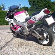 Yamaha Yzf 750 *Smadret*