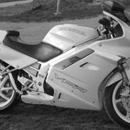 Honda VFR 750F [SOLGT]