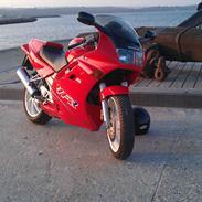 Honda VFR RC36
