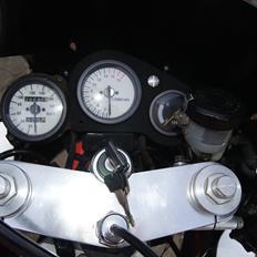 Suzuki GSXR 400