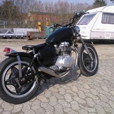 Honda CM 400 T