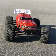 Off-Roader Traxxas e-revo