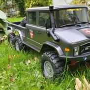 Truck Axial SCX10 II UMG 6X6