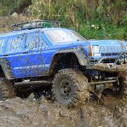 Truck Axial scx10 JEEP Chercokee