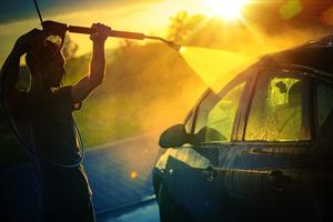 Sådan gør du bilen klar til sommeren