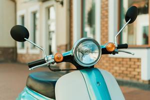 Skal din scooter repareres? Sådan kan det finansieres