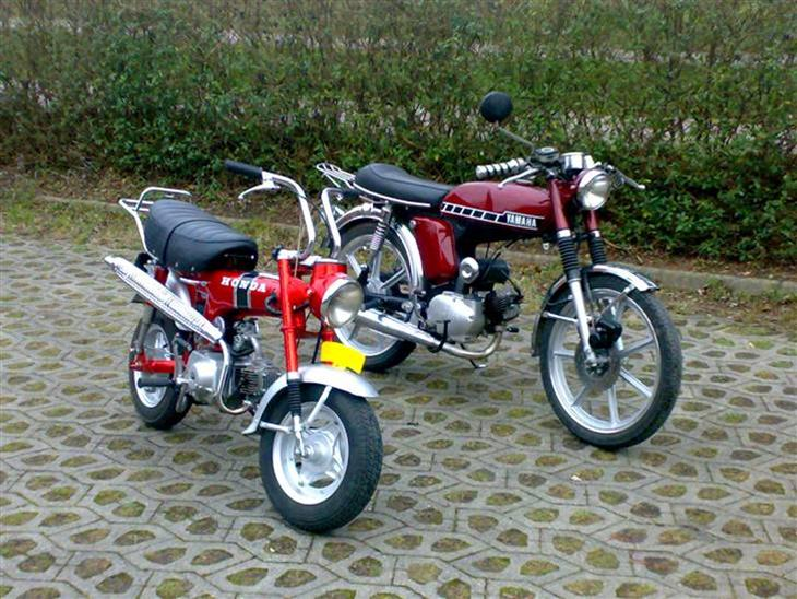honda dax st 50 solgt 1973 det er en mig og min far skal. Black Bedroom Furniture Sets. Home Design Ideas
