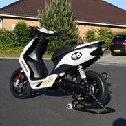 Yamaha Jog RR Solgt
