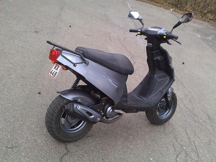 pgo big max 2001 har lavet mig denne scooter a. Black Bedroom Furniture Sets. Home Design Ideas