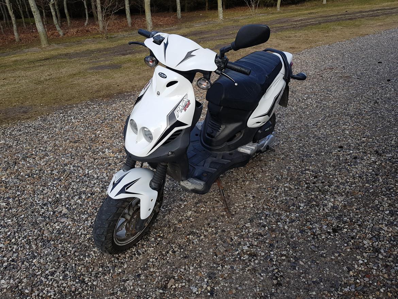 PGO Pmx Sport - Billeder af scootere - Uploaded af Nick L