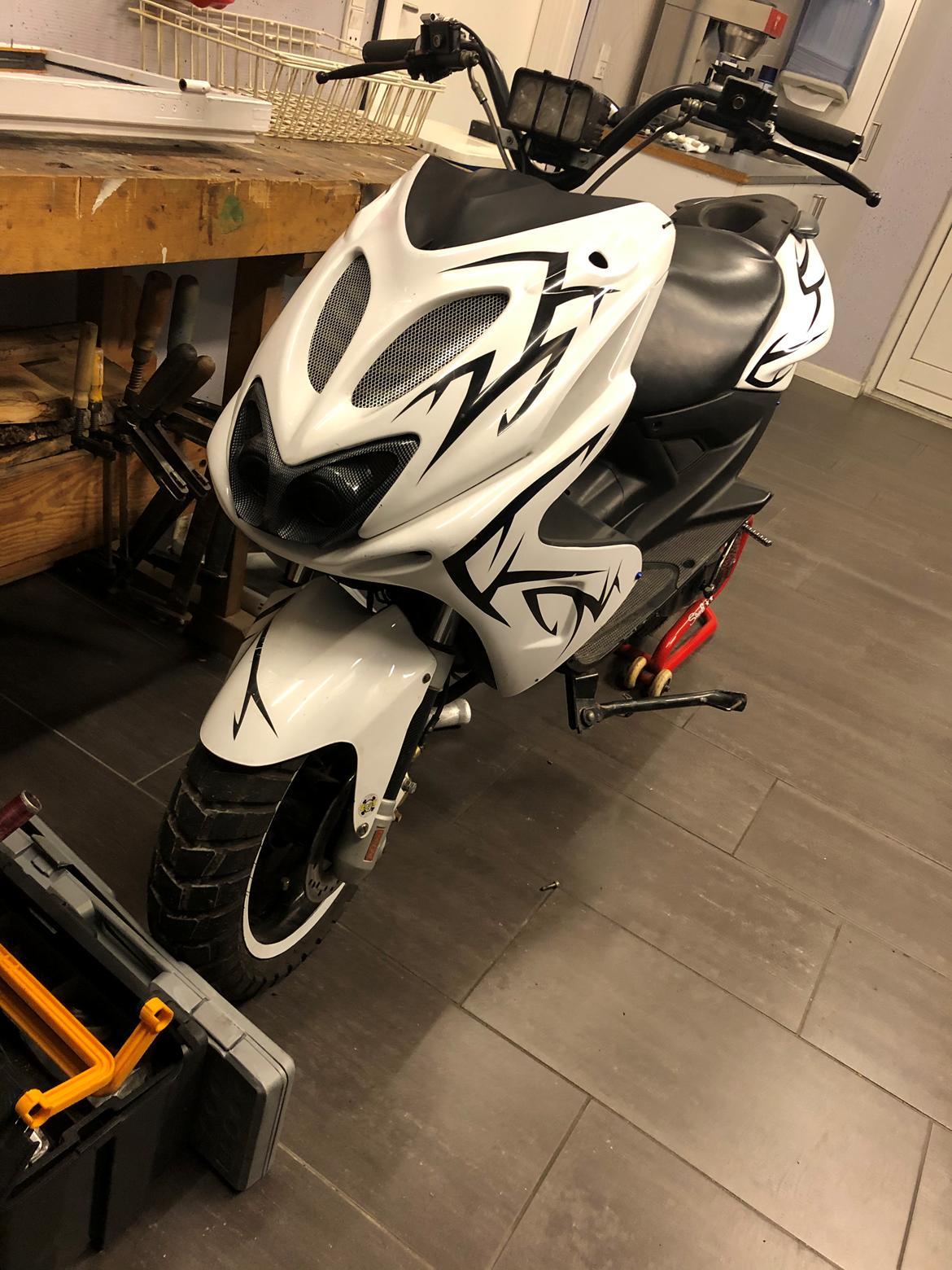 Yamaha Aerox (solgt) billede 3