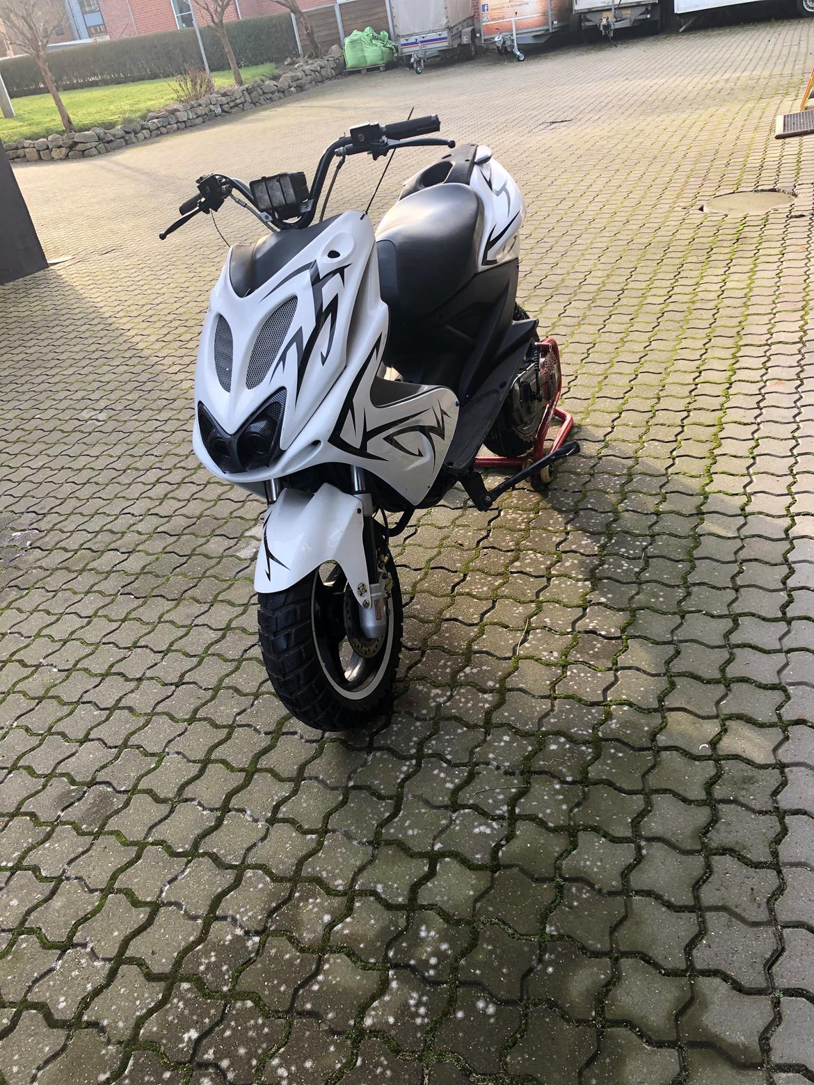 Yamaha Aerox (solgt) billede 9