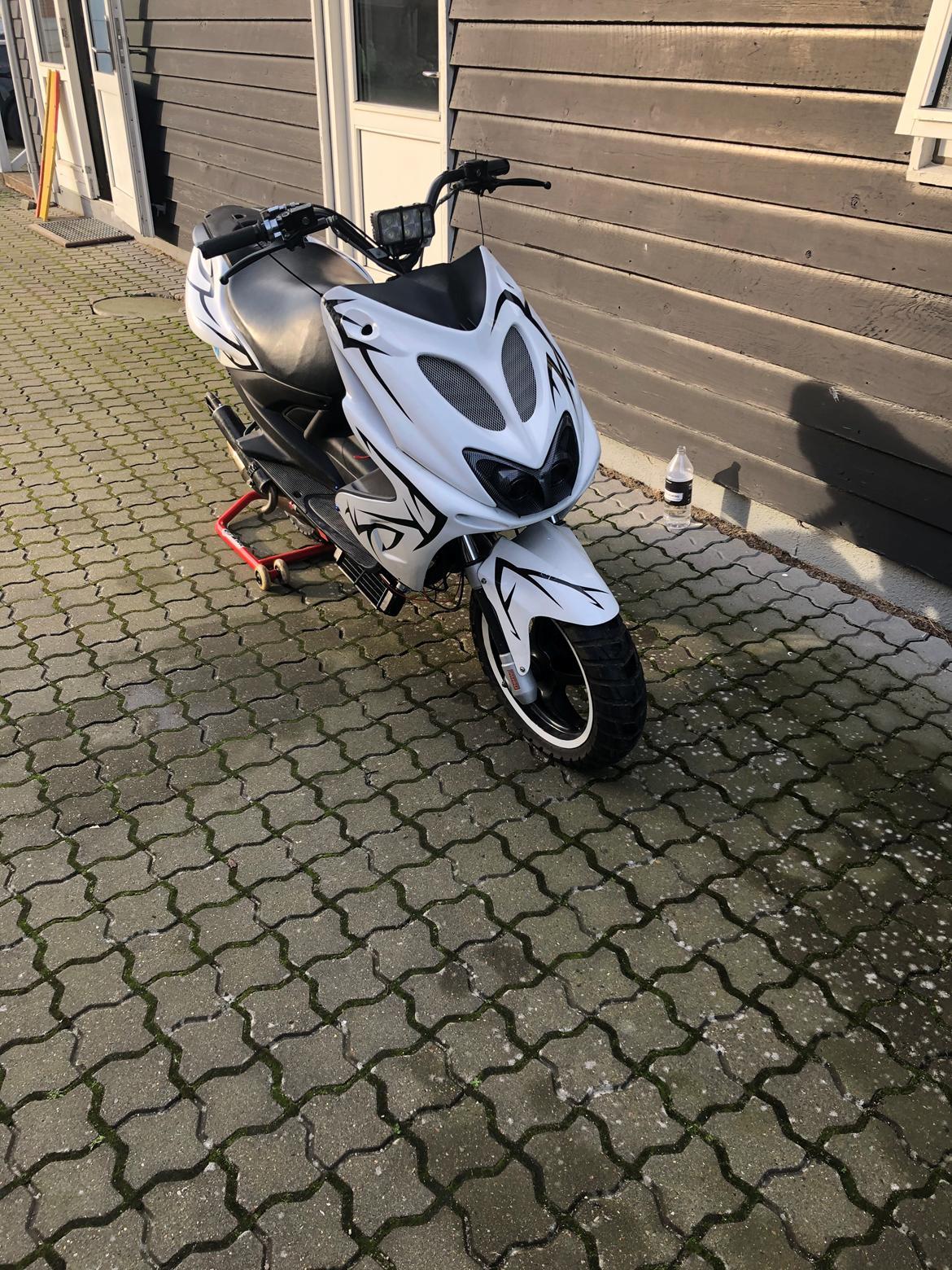 Yamaha Aerox (solgt) billede 10
