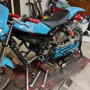 Suzuki Jog r.