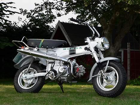 Honda DAX White  se videolink billede 11