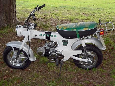 Honda DAX White  se videolink billede 12