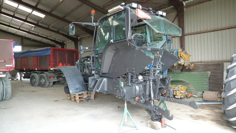 Lakering af traktor