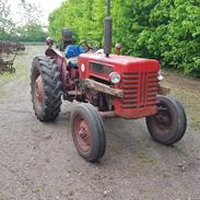 International Harvester B 275