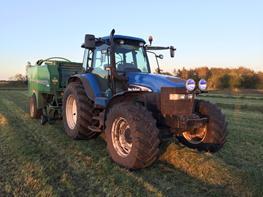 New Holland TM 140