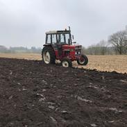 International Harvester 485