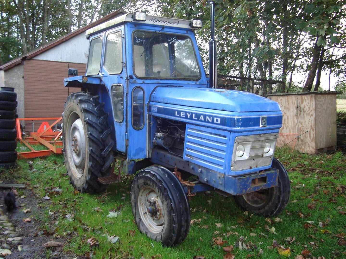 leyland traktor til salg