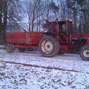 International Harvester 1056XL