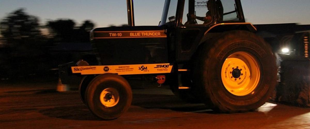 Ford TW 10 Blue Thunder - 1979 - Thy Pulling Traktoren kører i...
