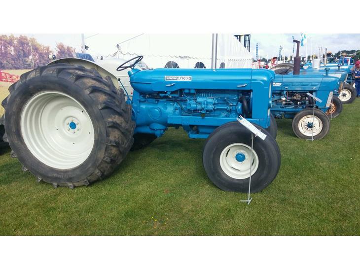 Fordson super major - 1964 - sjov traktor som vækker stor ...